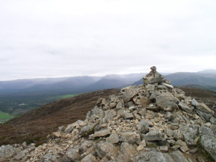The large cairn on the top of Craigellachie