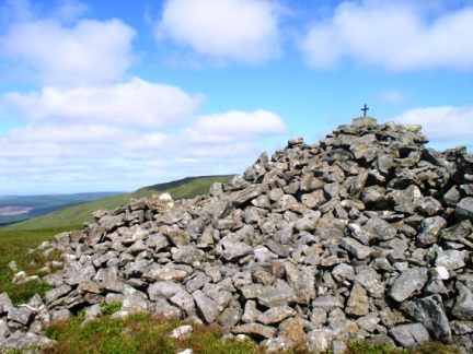 The summit cairn on Mid Fell