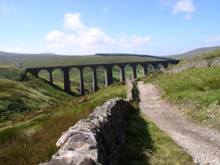 Looking back down to Arten Gill Viaduct