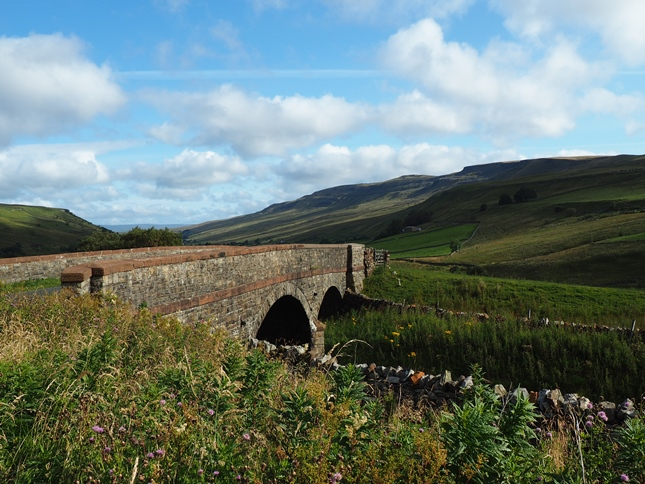 Cotegill Bridge where the road crosses the Settle-Carlisle railway