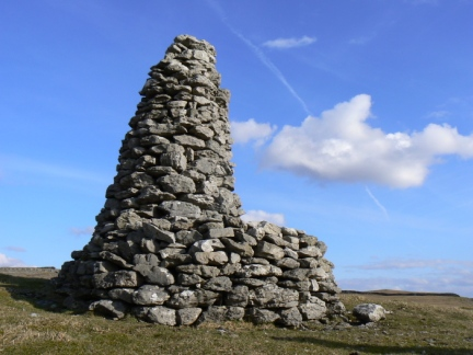 The Davy Dimple cairn