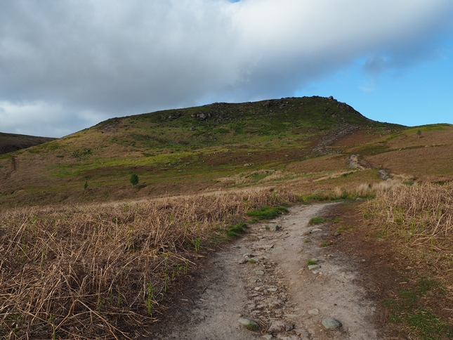 The path leading up on to Embsay Crag
