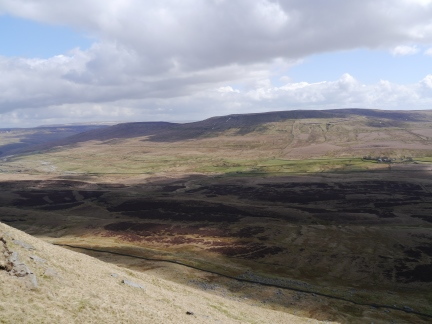 Fountains Fell and Darnbrook Fell from Pen-y-Ghent