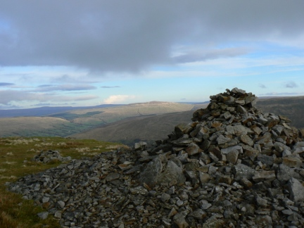 The large cairn on Gatty Pike
