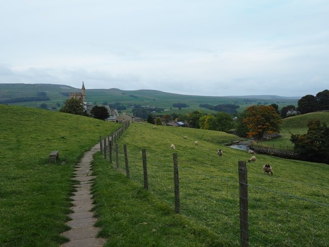Returning to Hawes on the flagged path from Gayle