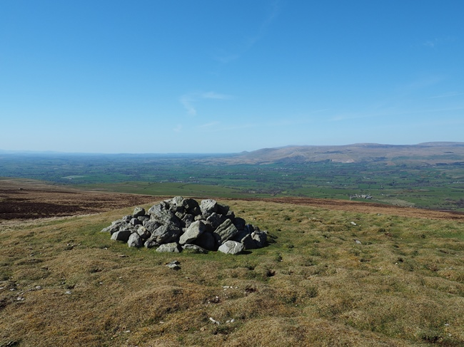 The cairn on High Dolphin Seat