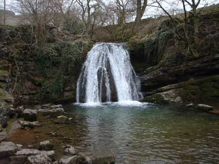 The lovely waterfall of Janet's Foss