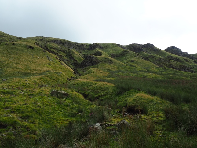 Tracing the upper reaches of Sloe Brae Gill towards Mallerstang Edge