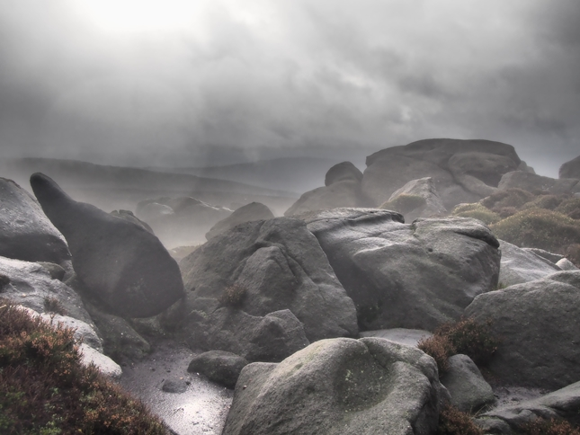 The cloud descends on Simon's Seat