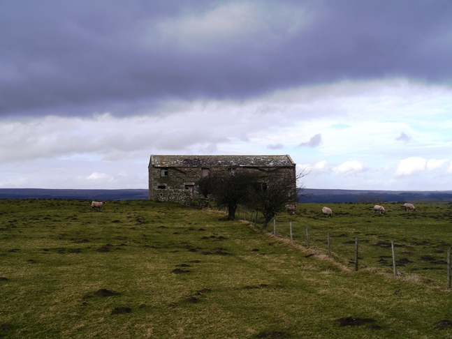 An old barn on Hanghow Pastures