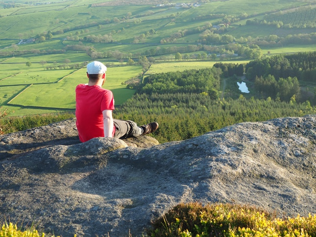 Making myself comfortable on Crookrise Crag waiting for the sun to go down