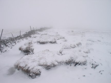 The snowy route between Tor Mere Top and Buckden Pike