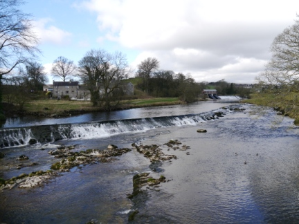 The weir just above Linton Falls