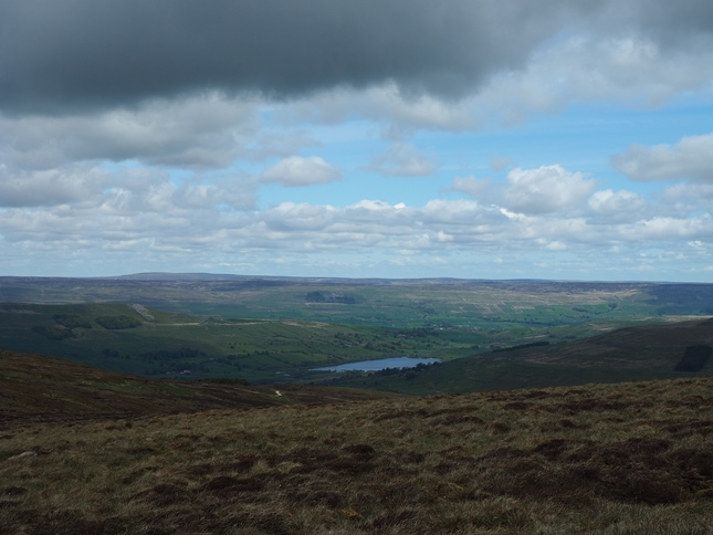 Semer Water from the wall to the north-east of the 634m top on Yockenthwaite Moor