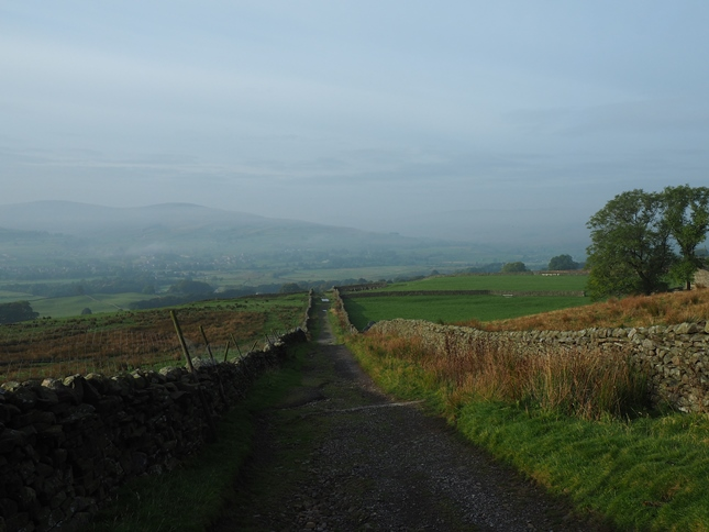 Looking back down Shutt Lane as the mist begins to gather again in Wensleydale
