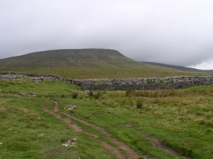 Looking back towards Simon Fell
