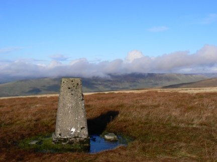 The top of Gragareth looking towards Middleton Fell