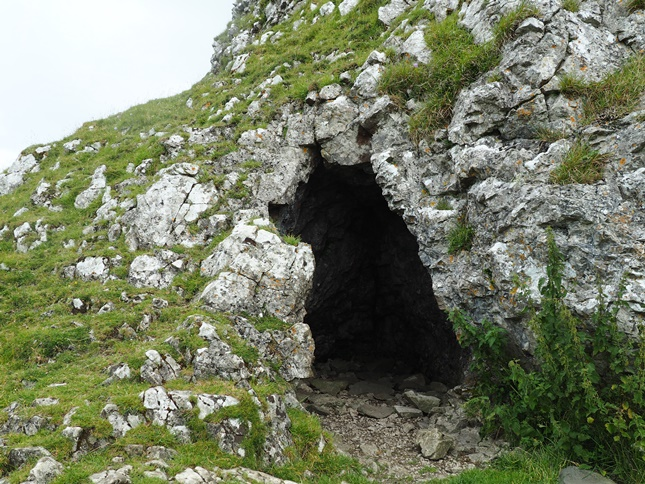 A small cave at the foot of Warrendale Knotts