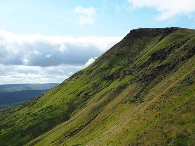 The majestic view of Wild Boar Fell's Nab on the climb from High Dolphinsty