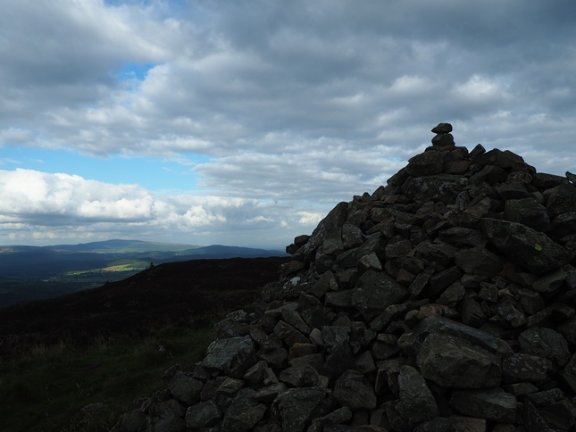 The cairn on the summit of Screel