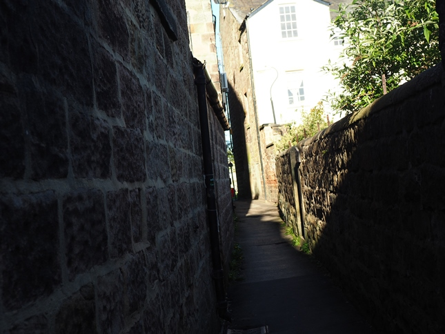 The ginnel leading out on to the Stray