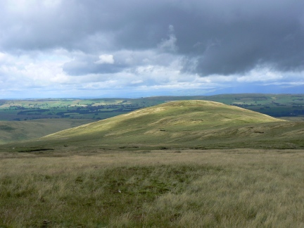 Approaching Rispa Pike from Uldale Head