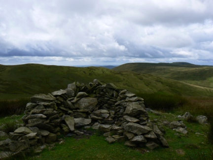 The stone shelter on Rispa Pike