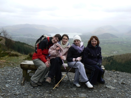 Lisa, Mum, Amber and Rachel on the bench below the Dodd