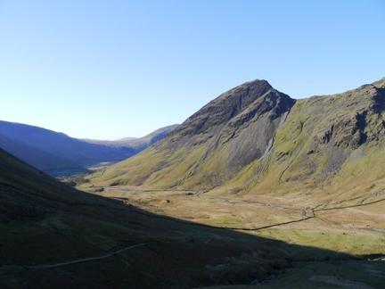 Looking back along Mosedale towards Yewbarrow