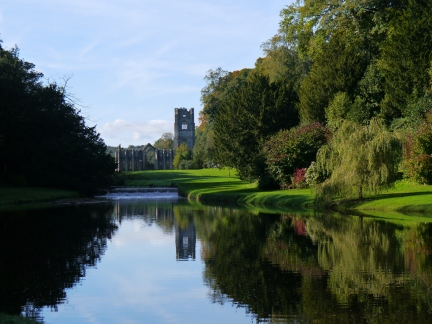 Looking back along the Skell to Fountains Abbey