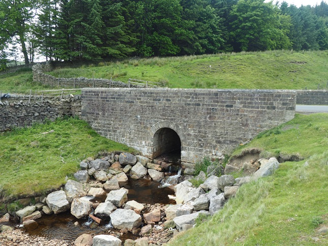 The bridge over Little Eggleshope Beck