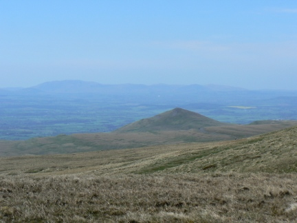 Murton Pike and the distant Northern Fells of the Lake District