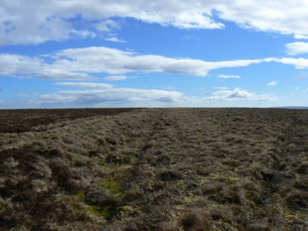 The extremely flat section of moor on Stangend Rigg