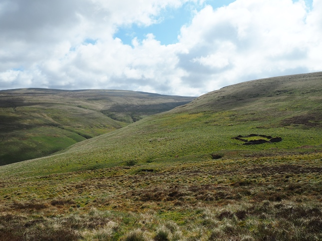 Dropping down to the col between Roman Fell and Tinside Rigg