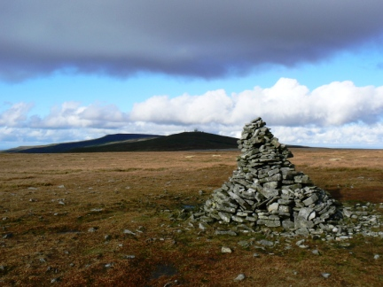 The top of Knock Fell looking to the Dun Fells and Cross Fell