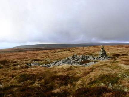 The top of Murton Fell looking to Backstone Edge and Knock Fell