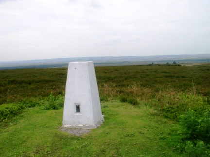 Looking south from the trig point on Roppa Edge