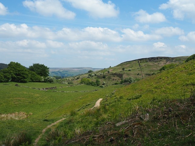 Looking back towards the gritstone edge above Bretton Clough that I was stood on earlier in the walk