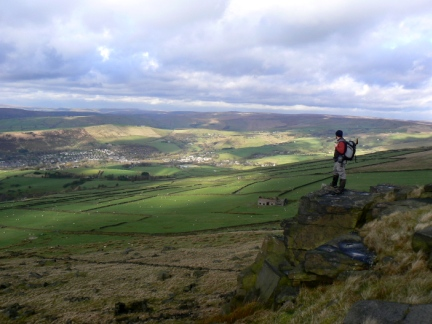 Looking towards Diggle on Slades Rocks