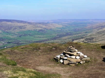 The top of Rushup Edge looking along Edale