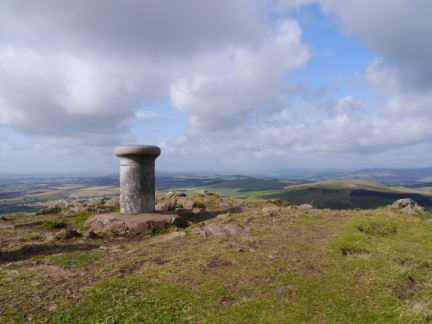 The viewpoint indicator on the top of Eildon Mid Hill
