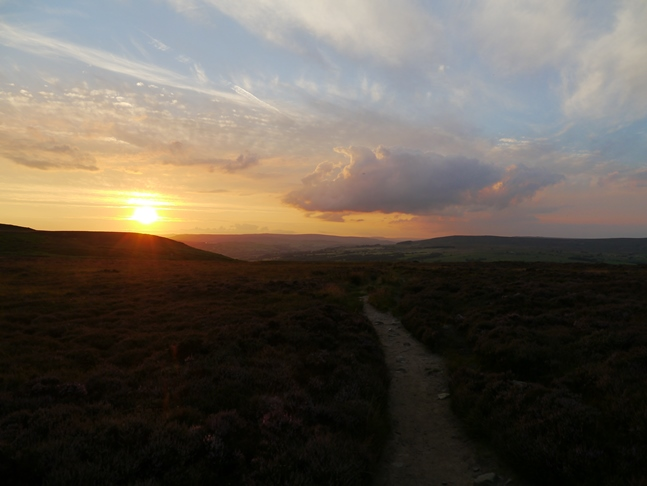 The glorious view I had of the setting sun as I descended off the moor