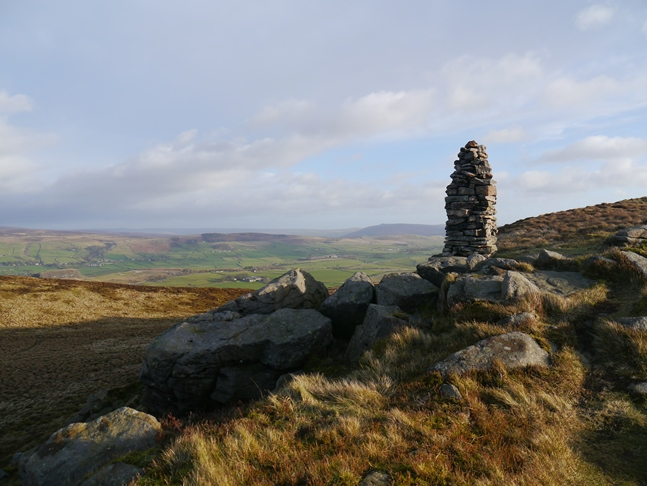 The first cairn that is reached when approaching Skipton Moor from the west