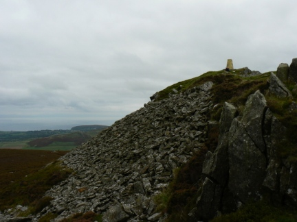 Approaching the summit of Carn Fadryn