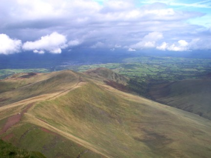 Looking down on Cefn Cwm Llwch from Pen y Fan