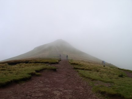 The path leading to Corn Du